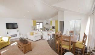 Burgh St Peter - 2 Bedroom Lodge
